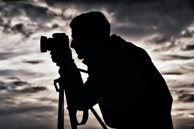 """De mâine, încep înscrierile la concursul de fotografie """"Câmpina în alb și negru"""""""